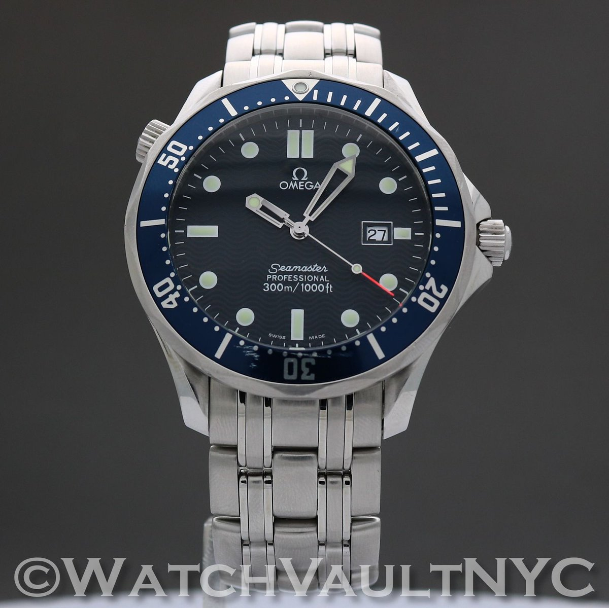 #jamesbond #piercebrosnan #wristwatch in #goldeneye and #iconic #dive #watch #omega #seamaster #254180 just arrived and #forsale at #watchvaultnyc #watchporn Tap my profile to shop,email or call about this watch!