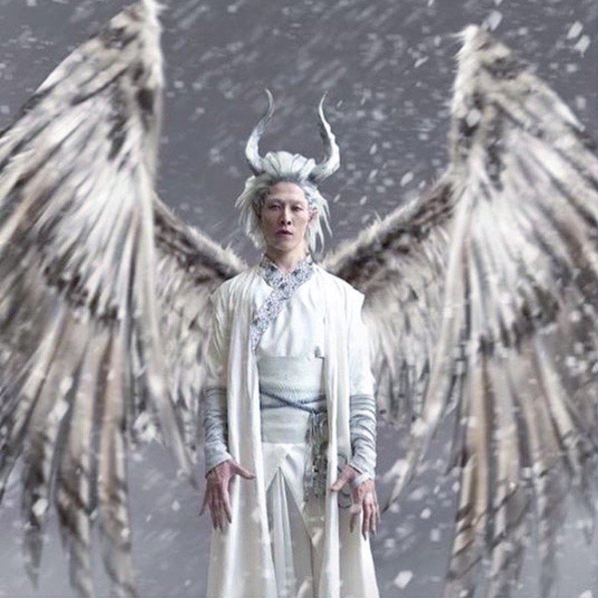 Prototype UDO ver.1.0 #NOTEdwardScissorHands #初期型ウド #シザーハンズじゃないよ #Repost @miyavi_fanpage 【 𝐈𝐥𝐥𝐮𝐬𝐭𝐫𝐚𝐭𝐢𝐨𝐧 】 #repost @ byellenm 🙌🏻 #darkeyfey #wingedwarriors #tundra #desert #maleficentmistressofevil #Udo #maleficent2 #MIYAVI