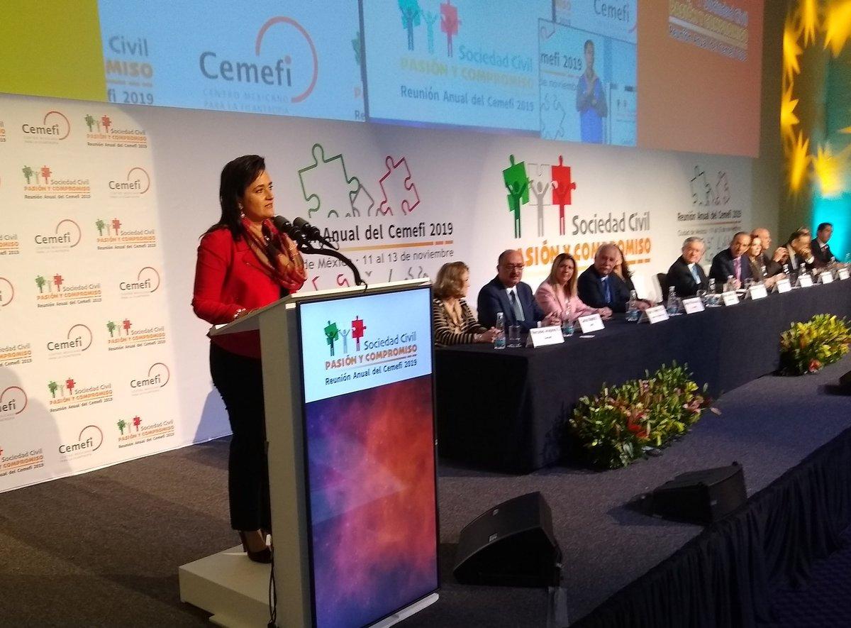 """Margarita Ríos Farjat, Jefa del SAT @SATMX """"Nos inspira contruibuir al país y al orden social"""" durante la inauguración a la Reunión Anual del Cemefi 2019, #ReunionCemefi – at Camino Real"""