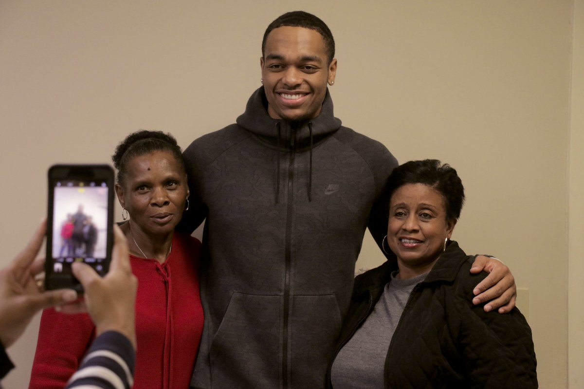.@PJWashington teamed up with @FoodLion and Steele Creek AME Zion Church to provide Thanksgiving meals to 100 families in the Charlotte community  #AllFly | @HornetsGive
