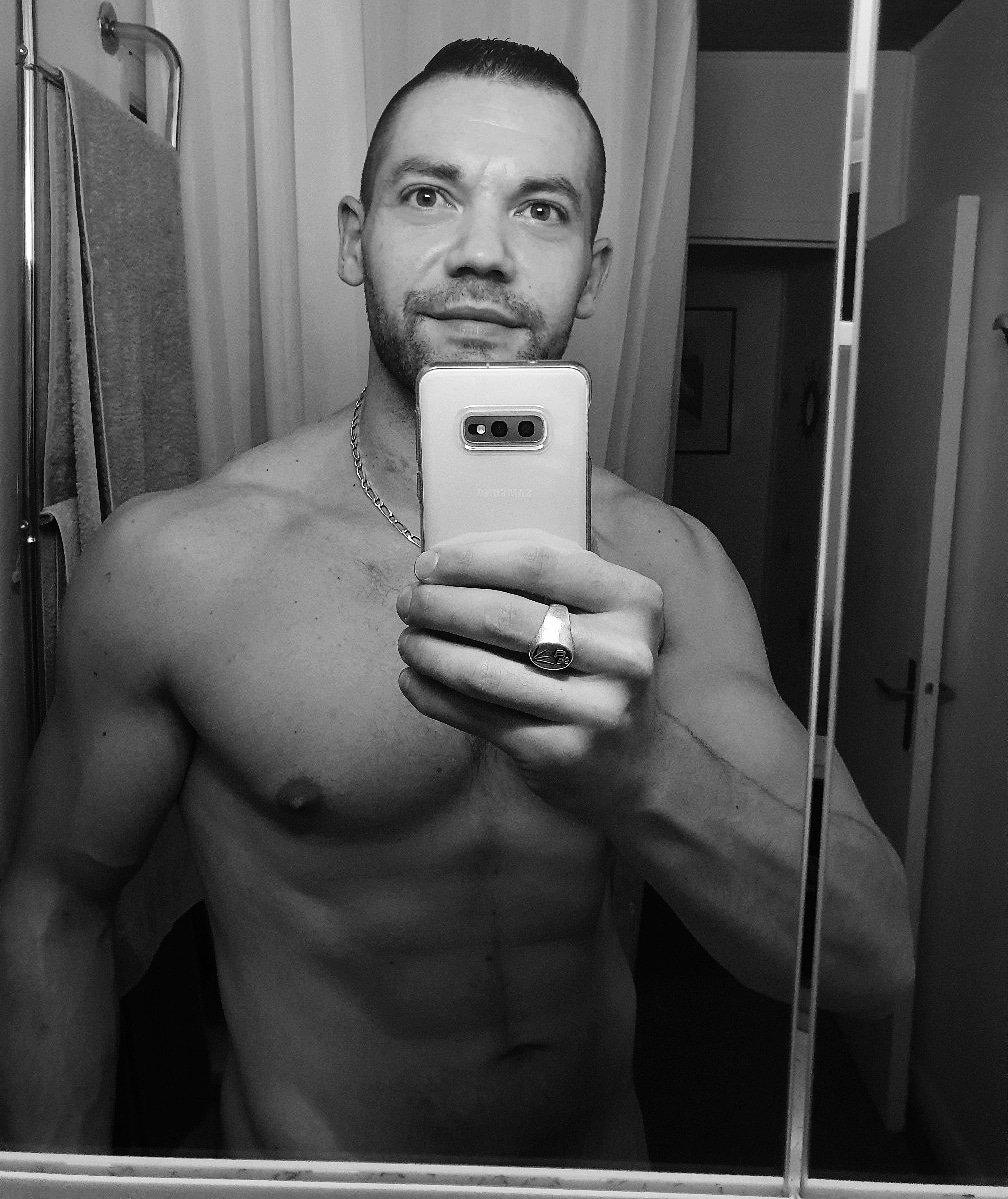 Bonne soirée... #shapeoftheday #currentshape #sexy #fit #blackandwhite #bulk #life #fitnessmotivation #body #men #fitfrench #shape #sport #workout  #training #lifestyle #mood#exhib #hot#fitness #fitboy #aesthetics #chilling  #musculation #fitnesslifestylepic.twitter.com/ylbxuVHjhq