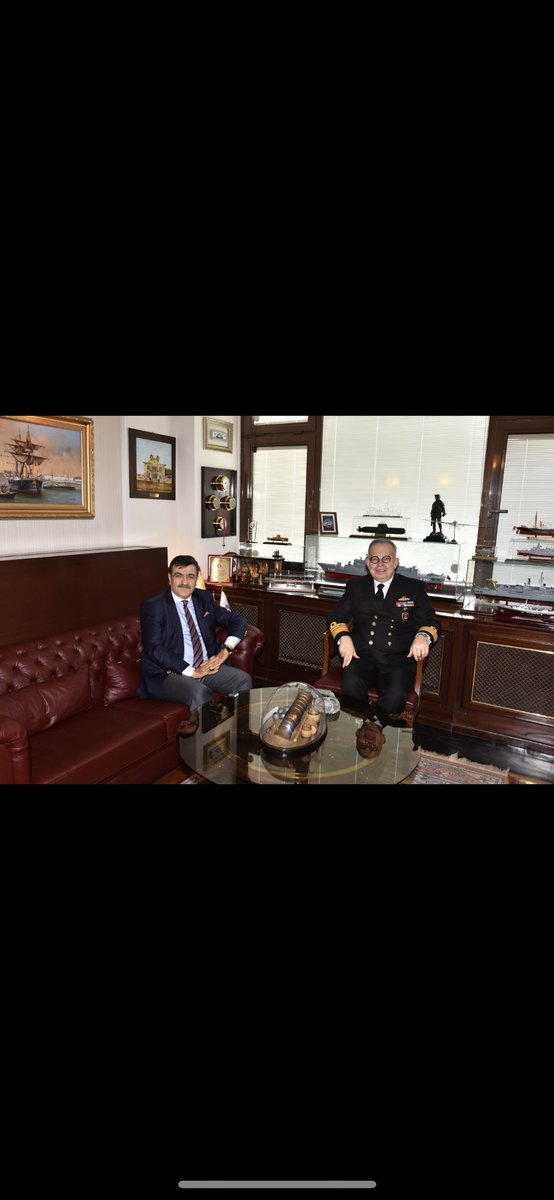 Fetömetre'nin mucidi Deniz Kuvvetleri Kurmay Başkanı Değerli Dostum Sayın Tümamiral Cihat Yaycı'yı bugün ziyaret ettim.Sıcak misafirperverliği ve hoş sohbeti için teşekkür ediyorum.Mücadele azmiyle,Türkiye sevdasıyla üretmeye devam ediyor.Yeni kitabını herkes okumalı,okutmalı...
