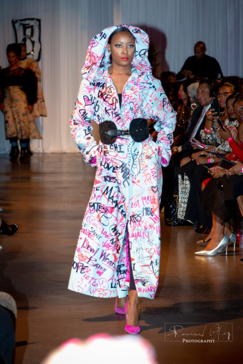 Check out the latest Runway Collection From Chicago Designer Barbara Bates click on the link to read the full article #BFWUSA2019#BarbaraBates#Kham'ryn B Kham'ryn B. Shoes & Accessories https://mailchi.mp/2c59d24708b5/barbarabates…pic.twitter.com/FLqwbkcR3W