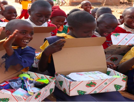test Twitter Media - Struggling to find an appropriate Shoebox for the #ChristmasShoeboxAppeal? You can now get Flat Pack Shoeboxes that don't need wrapping! List of suppliers available here https://t.co/8YpU4Kcafh @TeamHopeIreland (pic source: https://t.co/AHGSYOKTTM) https://t.co/lJaOEKHDhe