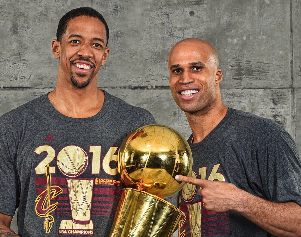 """Wine & Gold Nation has forced @Rjeff24 & @ChanningFrye to share the spotlight…  Our """"Championship Era and Beyond"""" bobblehead, presented by @BaronRings, will feature BOTH of them!   DETAILS: http://on.nba.com/370DXB6   #Cavs50"""
