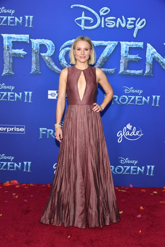 For the first time in forever🎶... actress @KristenBell debuts a Cruise 2020 dress by Maria Grazia Chiuri. Perfectly Anna for the premiere of #Frozen2! #StarsinDior