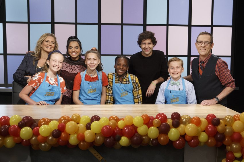 Tune in at 8pm est for a super fun episode of #choppedjunior with our very special guest @DavidDobrik! Turkey-themed baskets keep the kid chefs in the right state of mind as they try to make a meal that the judges will gobble up! @foodnetwork @thetedallen @maneetchauhan<br>http://pic.twitter.com/r36Ede7mA9