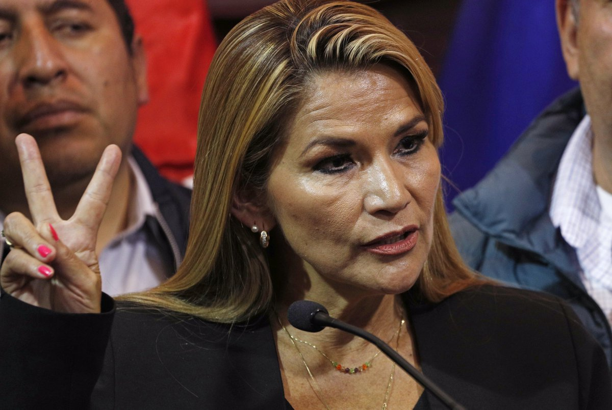 "test Twitter Media - #URGENTESenadora Jeanine Áñez se declara presidenta interina de Bolivia para ""pacificar el país"". Vía AP https://t.co/GjBsGF8uj0"