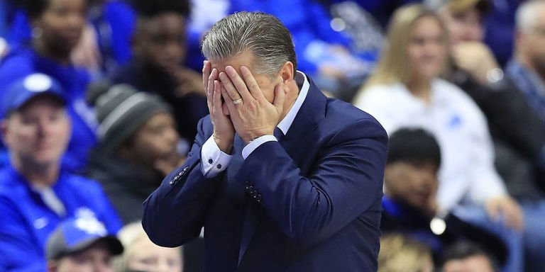 No. 1 Kentucky stunned by unranked Evansville. thesco.re/2Qd2JI5