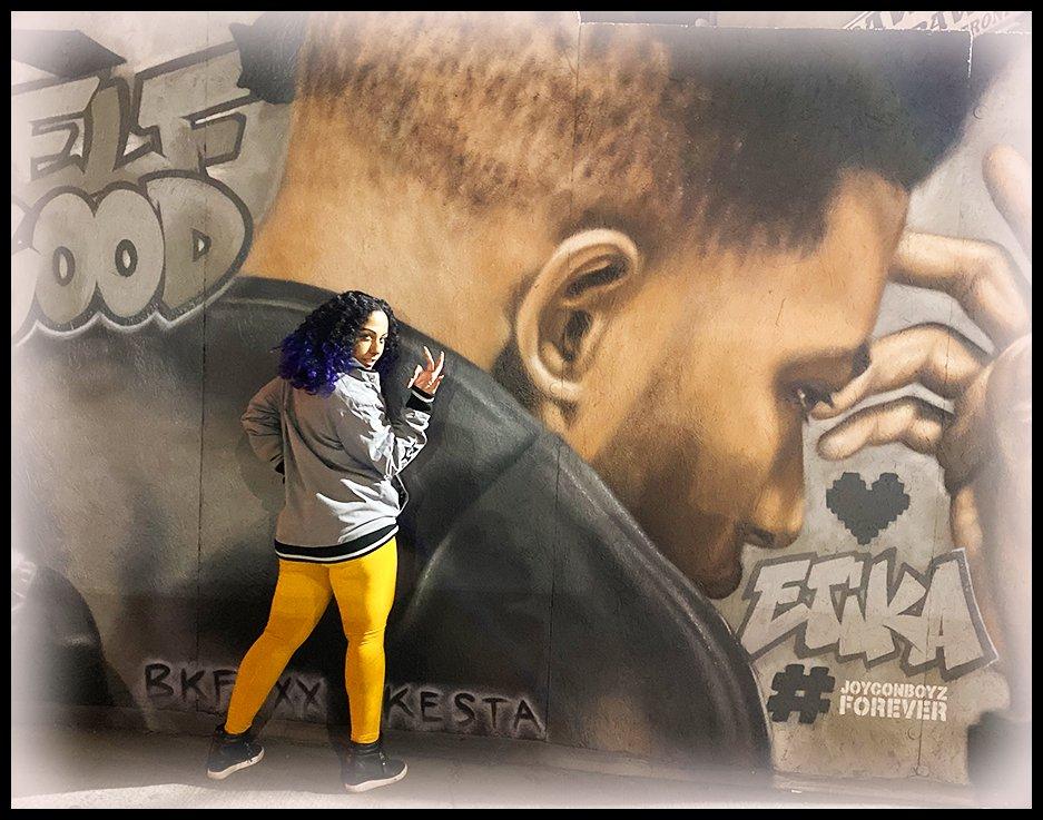 RT @TheAlicePika: My ETIKA mural vlog is PREMIERING NOW!!!   https://t.co/Gy7d6dafD2 https://t.co/R54YkwiGOD
