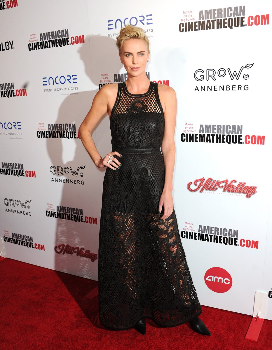 For the 33rd American Cinematheque Awards in her honor, friend of the House @CharlizeAfrica donned a #DiorSS20 embroidered leather dress by Maria Grazia Chiuri. #StarsinDior