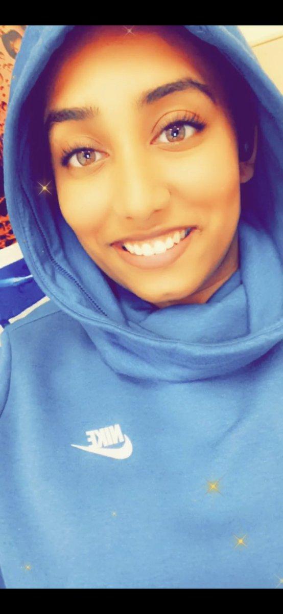 Ya know sometimes I feel cute... sometimes #selfie #FeelingMyself #kindacute #comfy #NIKE