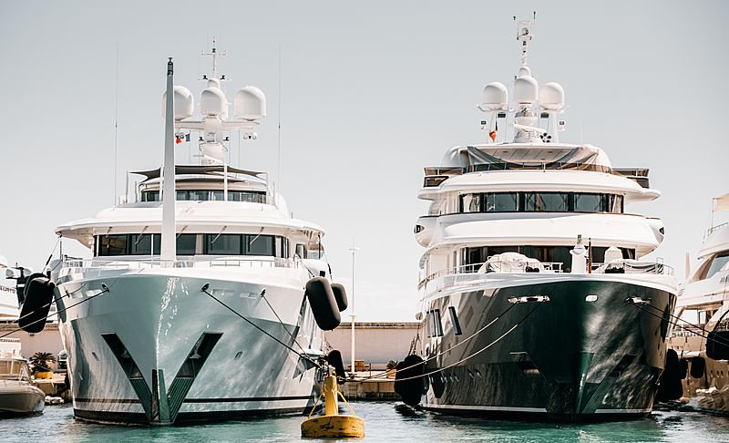 #POTD The 67m Aurora Borealis and 62.5m Baton Rouge designed by Tim Heywood side-by-side. Photo: SuperYacht Times https://bit.ly/2CDC27k