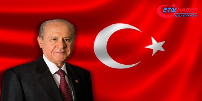 MHP Lideri Bahçeli: ABD'deki zirve görüşmesinden çıkacak sonuç ne olursa olsun Türkiye tek yürektir http://www.etikhaber.com/siyaset/mhp-lideri-bahceli-abddeki-zirve-gorusmesinden-cikacak-sonuc-h285413.html…