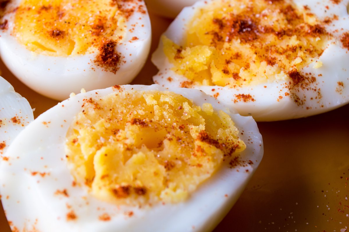 Is it just wrong to eat smelly food on public transport? Two women have ended up in COURT after one launched an aggressive tirade at the other for eating smelly boiled eggs on a packed commuter train. Whose side are you on? #JeremyVine