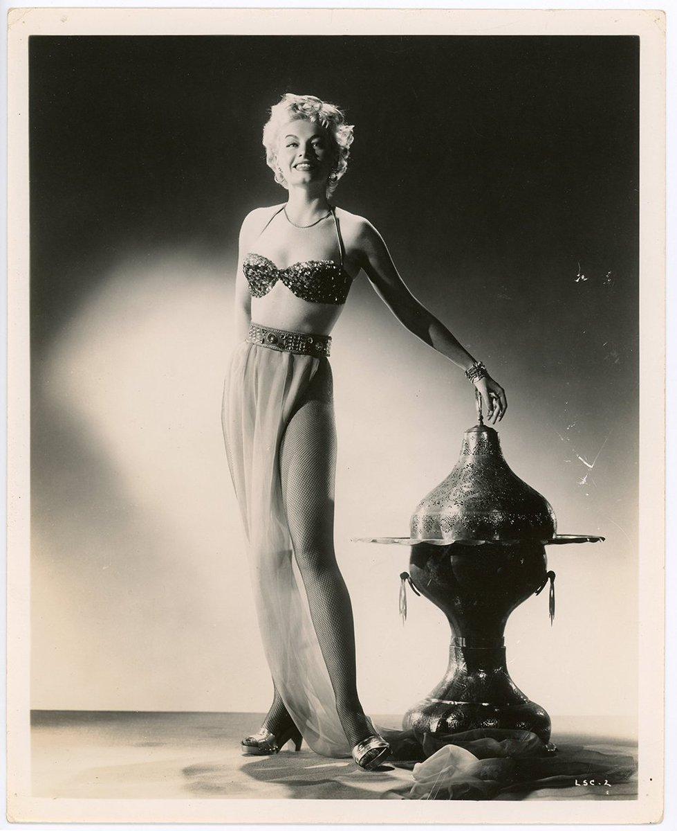 Lili St Cyr  #LiliStCyr #retro #burlesque #BurlesqueHistory #tribute #showgirl #performer #performance #artist #Bazoom #BazoomBurlesque #dance #dancer #dancing #exoticdancer #database #glamour #posing #Model #ExoticDancer #Legend #BurlesqueLegend #バーレスク
