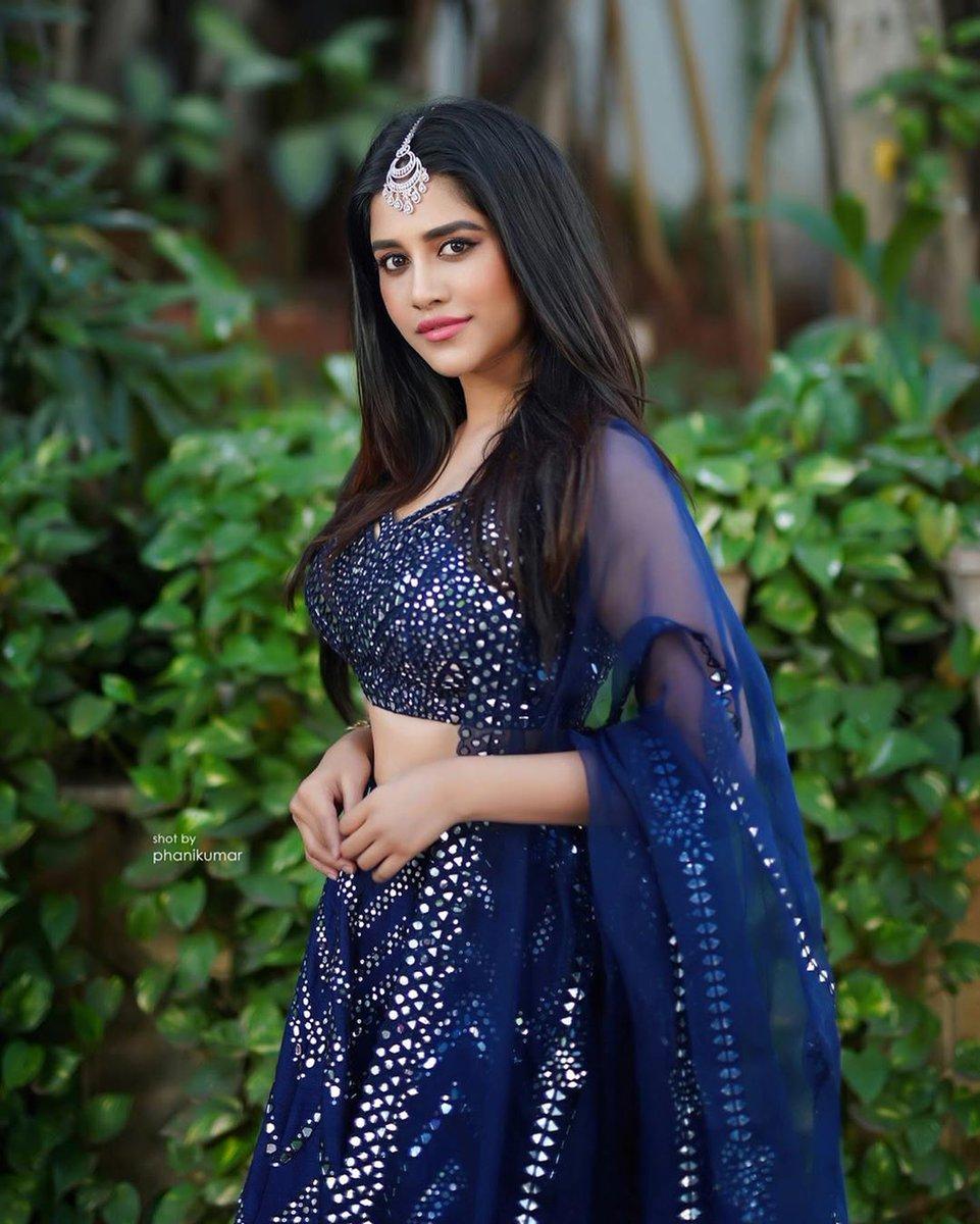 Latest stills of actress #NabhaNatesh   Follow us on: @KFNofficial   #Sandalwood #KannadaFilmNagar #LatestKannadaMovies #KannadaCelebs #KFN #Celebs #Actress #LatestStills #LatestUpdatespic.twitter.com/Dh6k4iFUAV