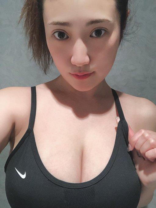 グラビアアイドル草野綾のTwitter自撮りエロ画像13