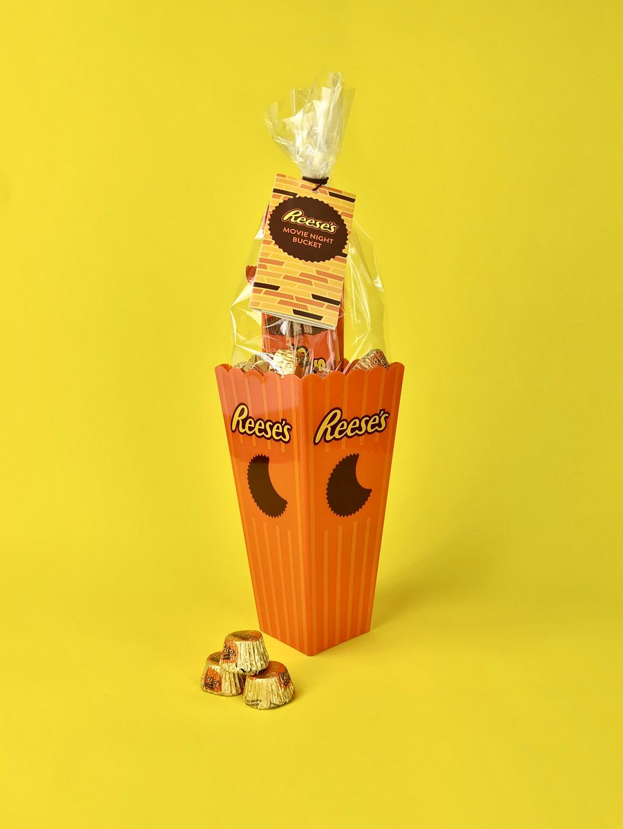For World Kindness Day we are doing a @reeses gift GIVEAWAY    Follow and RT to enter  Giveaway open to UK residents aged 18+ winner will be announced 15/11/19 #WorldKindnessDay #giveaway #liketowin #gift #tagafriend #win<br>http://pic.twitter.com/C1g1MLQ3f5