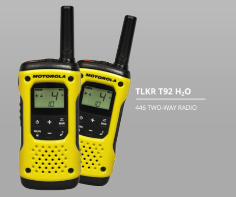 This is a rugged, #waterproof and floatable walkie talkie which has a range of up to 10km, allowing you to stay in contact on your adventures! Contact us for further information > https://t.co/sATUZXDuIN #twowayradio #communication