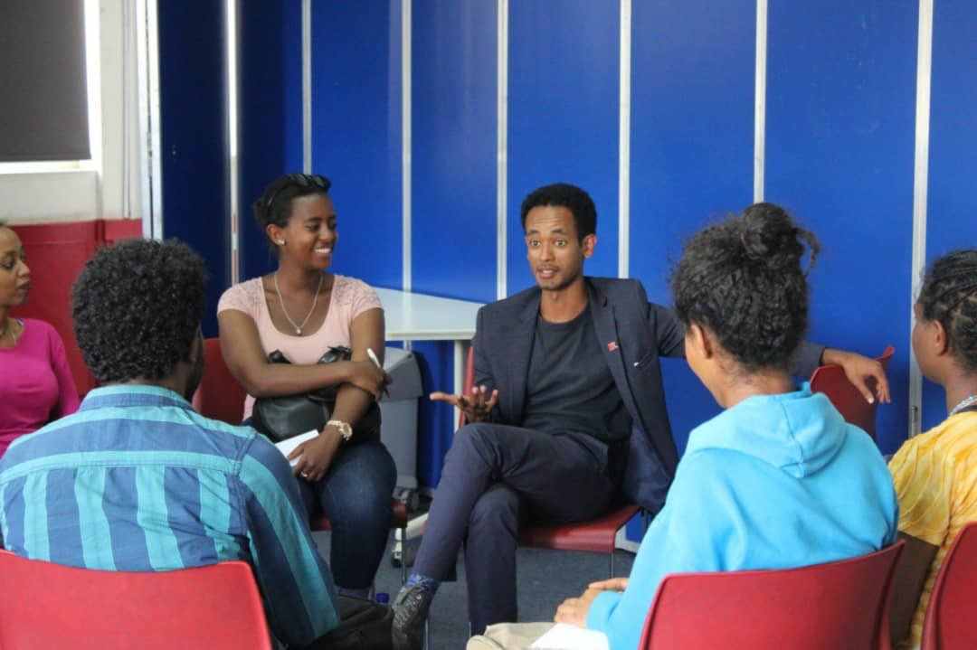 Always great to speak to fellow young people about building a community that speaks and acts through goodwill and a shared vision.  @WashFellowship  @USEmbassyAddis  @Mulu_Tesfa_MD