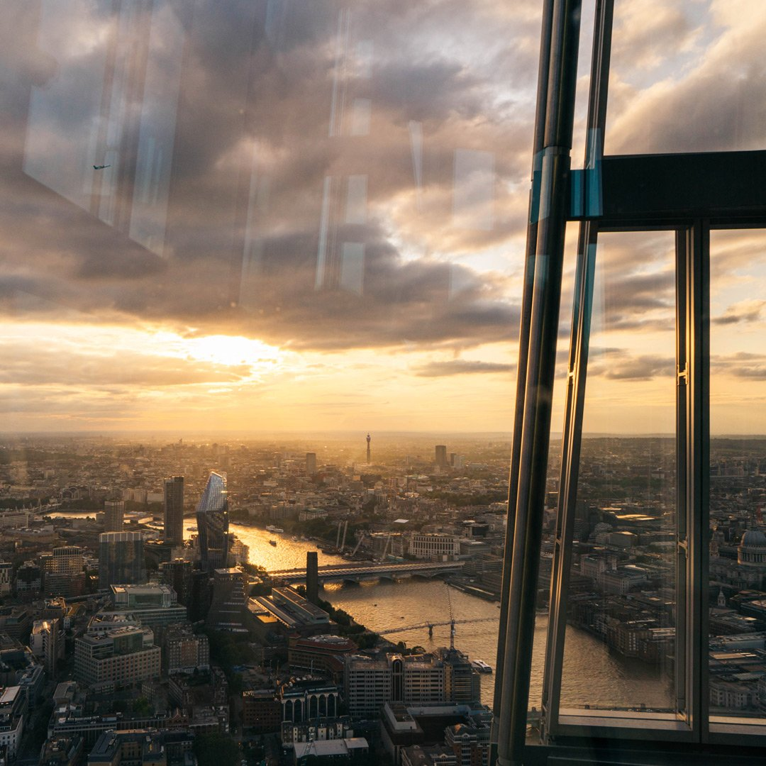 "London looking spectacular as always from <a href=""http://twitter.com/shardview"" target=""_blank"">@shardview</a> 😍 <a href=""https://twitter.com/search?q=%23VirginExperienceDays"" target=""_blank"">#VirginExperienceDays</a>   <a href=""https://t.co/EYYGtZ3eQg"" target=""_blank"">https://t.co/EYYGtZ3eQg</a> <a href=""https://t.co/iwWoXy9W7Q"" target=""_blank"">https://t.co/iwWoXy9W7Q</a>"