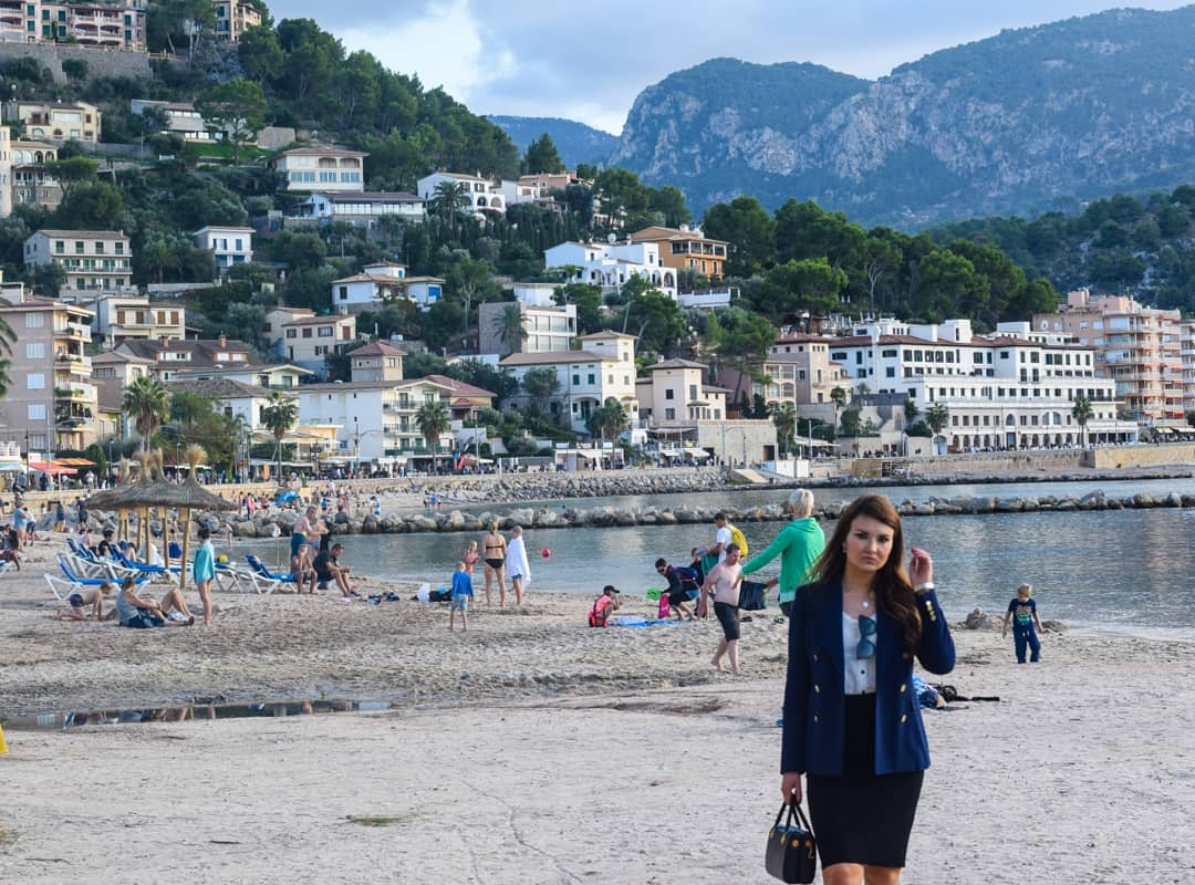 From our trip to Port de Soller #marina #mallorca #spain #calador #holiday #palmtrees #polishgirl #ragazza #bella #bellissima #nofilter #photooftheday #portrait #portraitphotography #photography #luxelifestyle #luxelady #fitgirl
