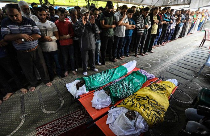 تشييع جثامين 3 شهداء من عائلة عياد #غزة_تقاوم