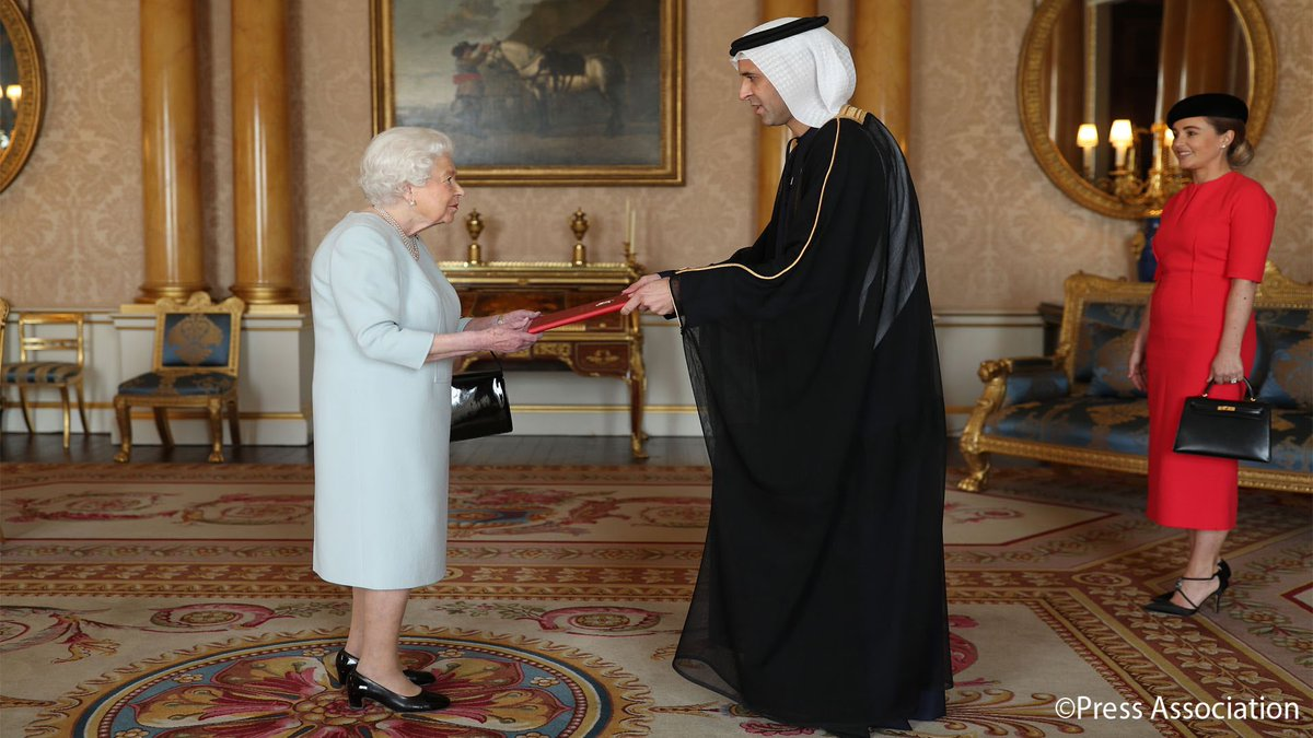 🇦🇪Today, at Buckingham Palace, Her Majesty held an Audience in which she received the new UAE Ambassador to the UK, His Excellency Mr Mansoor Abulhoul. Mrs Victoria Devin was also received by Her Majesty.