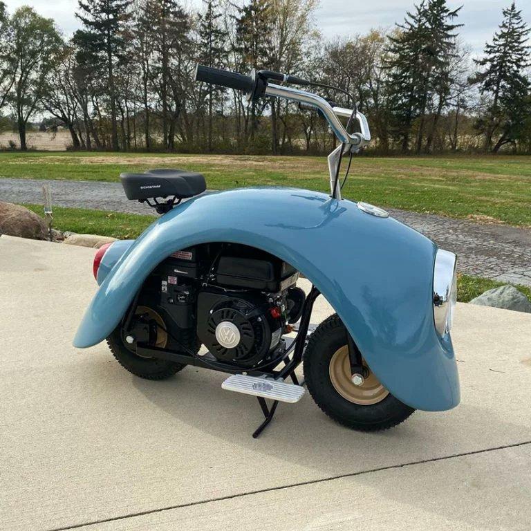 オリジナルのフォルクスワーゲンと言われなくてもわかるミニバイク folkspod がカッコいい。バイクは後ろ姿が大事と思うんだけど、そこもなかなか。