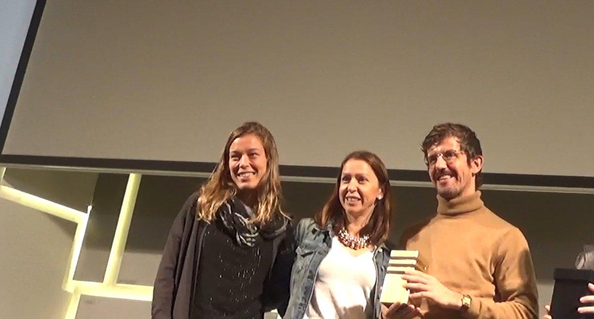 Best in show en #smartiesawards, @mma_spain   para @elgrinchhh de @Universal_Spain  Enhorabuena a @Universal_Spain , a Isaac González y a @MindshareSpain , con Nieves y Candela...pic.twitter.com/ELFJEuycgK