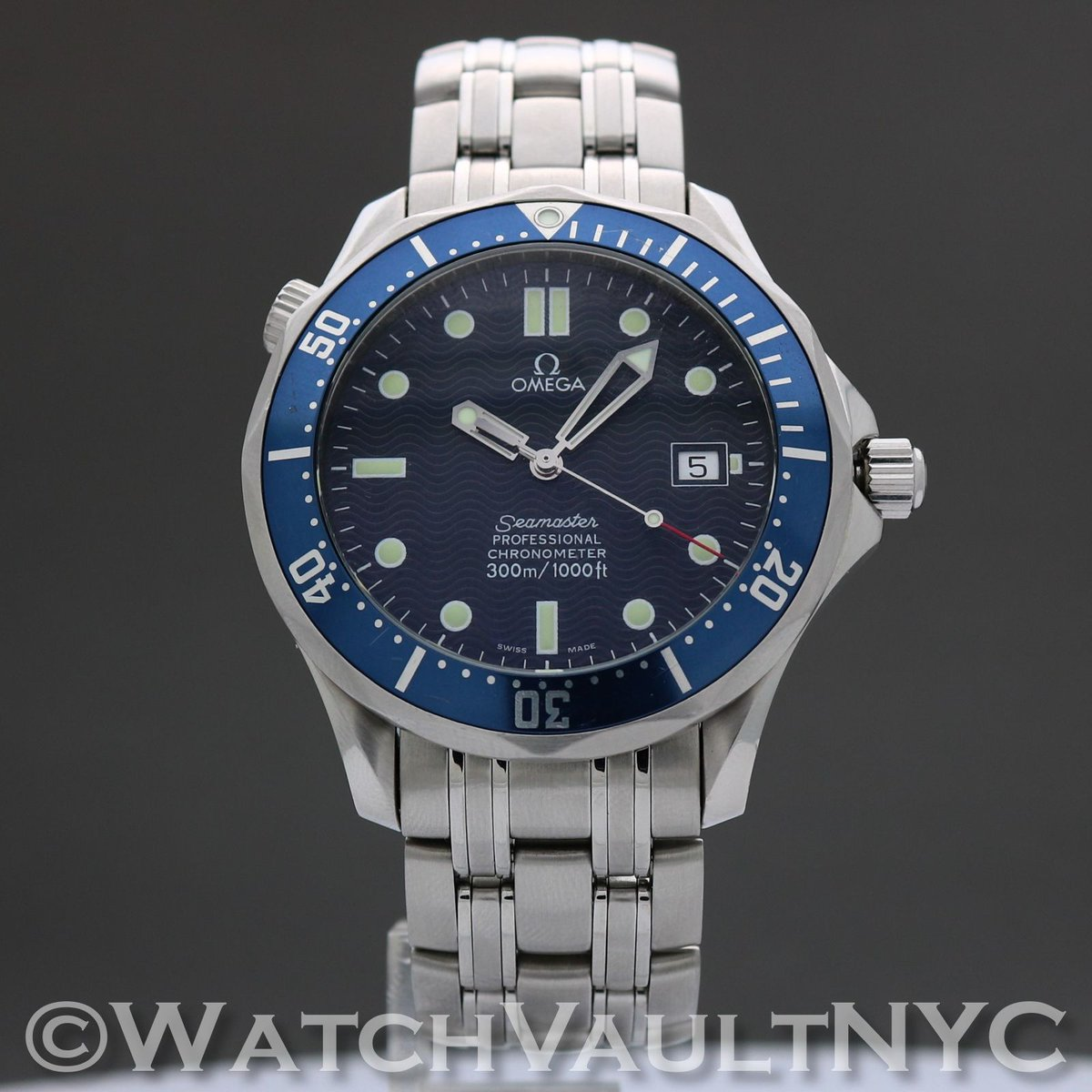 #jamesbond #piercebrosnan #wristwatch in #tomorrowneverdies #theworldisnotenough #dieanotherday and #iconic #dive #watch #omega #seamaster #253180 just arrived and #forsale at #watchvaultnyc #watchpornTap my profile to shop,email or call about this watch!