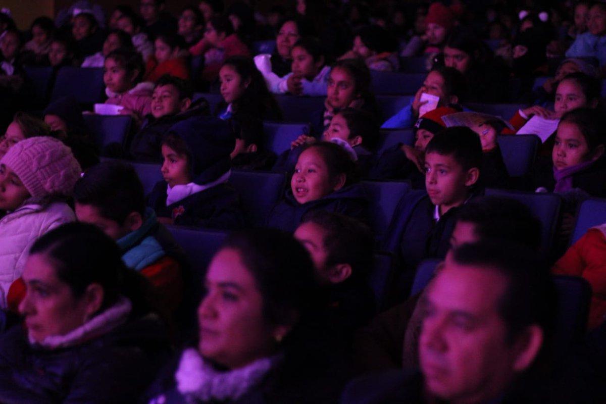 🎭🧙♀️👸Este año, #Coahuila se posiciona como el #ÚnicoEstado de la #RepúblicaMexicana en llevar a cabo 2 programas #Teatrales en beneficio de los escolares que cursan #EducaciónBásica. #TeatroEnTuEscuela @ViveCulturaCoah @mrikelme #SoyBerrueto #Anexa