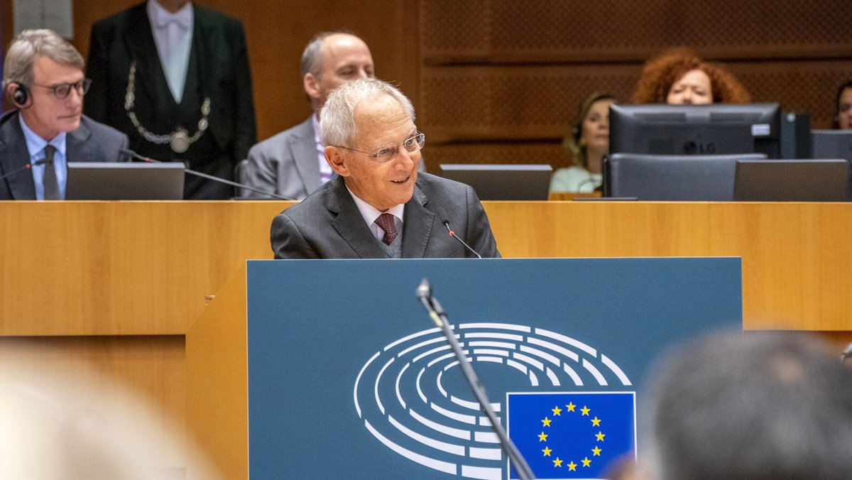 """""""We need to remain aware of what is possible when people work together for something, Bundestag President Wolfgang Schäuble during a ceremony marking the 30th anniversary of the fall of the Berlin Wall at the Parliament. Read more ➡️ eptwitter.eu/qkTp"""