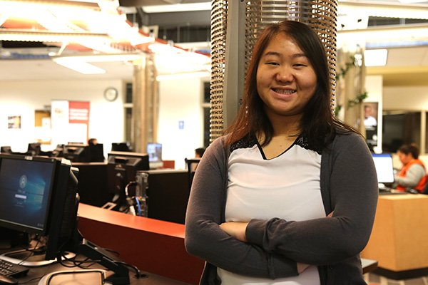 #Firstgeneration Computer Science alum Qer Lee was able to graduate from @CenturyCollege  #debtfree when she transferred to the U of MN:   #StudentSuccess #Transfer #Affordability #CelebrateFirstGen