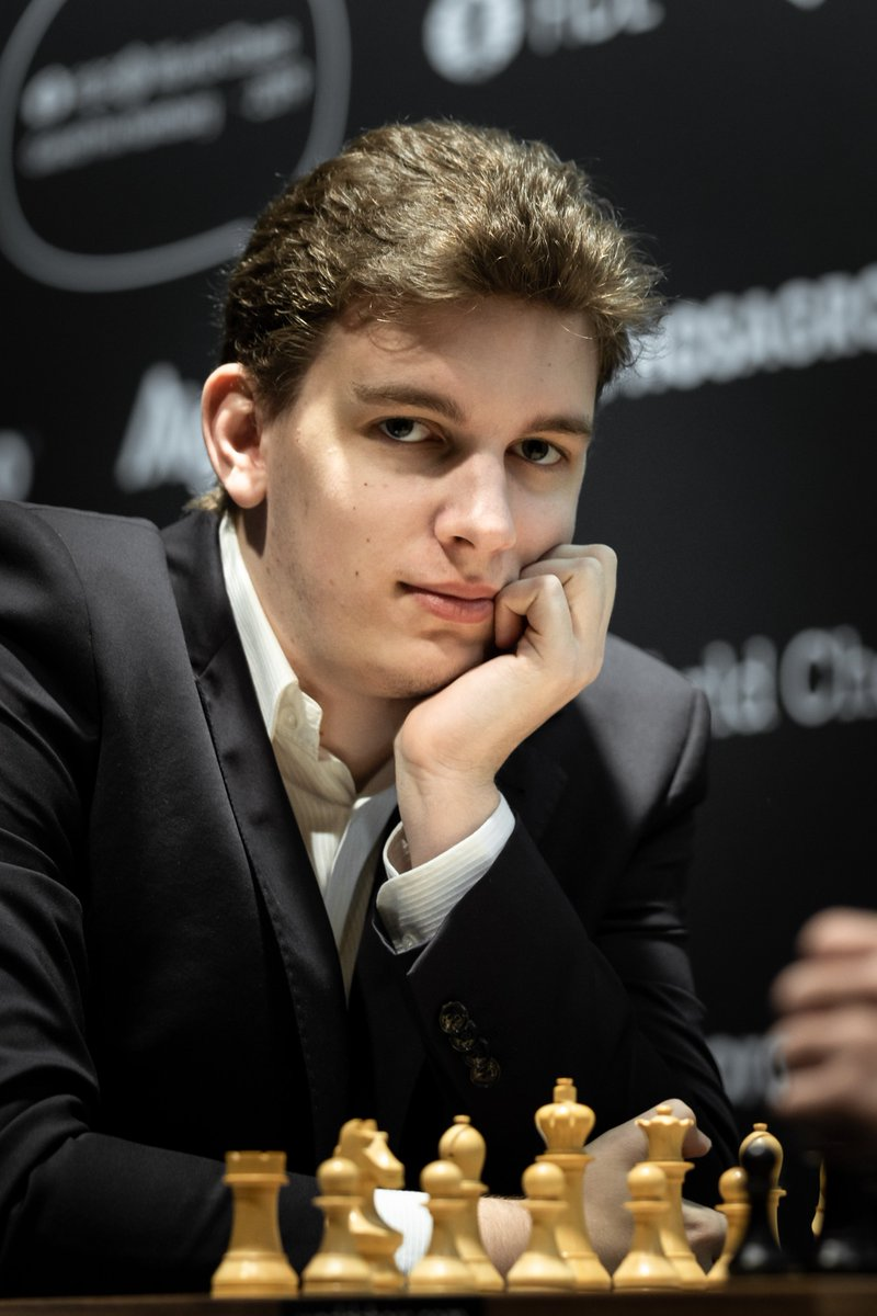 test Twitter Media - In a dramatic semifinal tiebreak, Jan-Krzysztof Duda wins the second 10-minutes game against Daniil Dubov and advances to the final of FIDE Grand Prix in Hamburg!   The final between Grischuk and Duda will start on November 15 after a rest day.   📷 by @riga_niki #GrandPrixFIDE https://t.co/6X2Z5I9864
