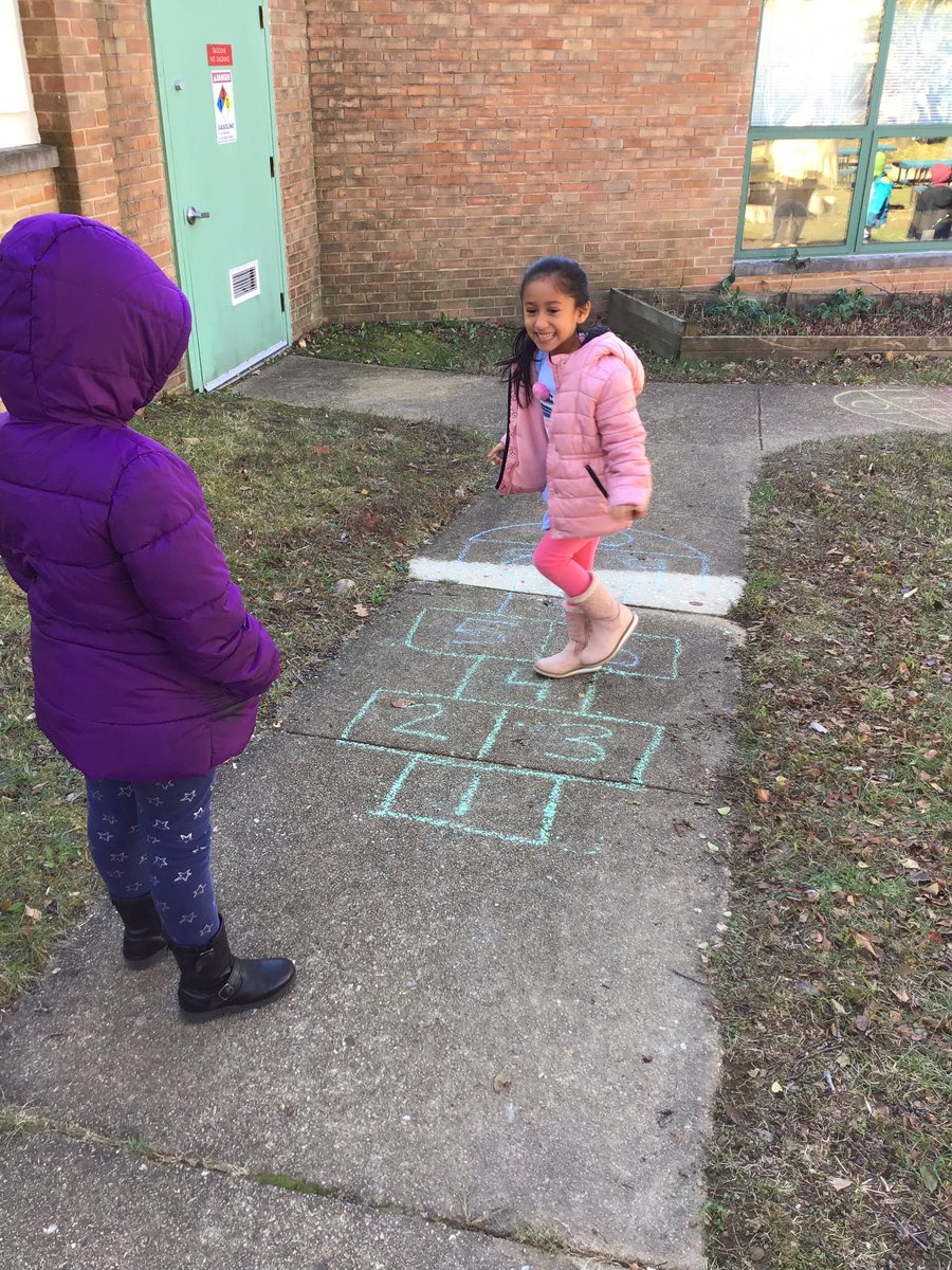 RT <a target='_blank' href='http://twitter.com/MsSokol1'>@MsSokol1</a>: We learned how to play hopscotch today ! <a target='_blank' href='http://twitter.com/HealthyCampbell'>@HealthyCampbell</a> <a target='_blank' href='https://t.co/fUTgAQ0cDv'>https://t.co/fUTgAQ0cDv</a>