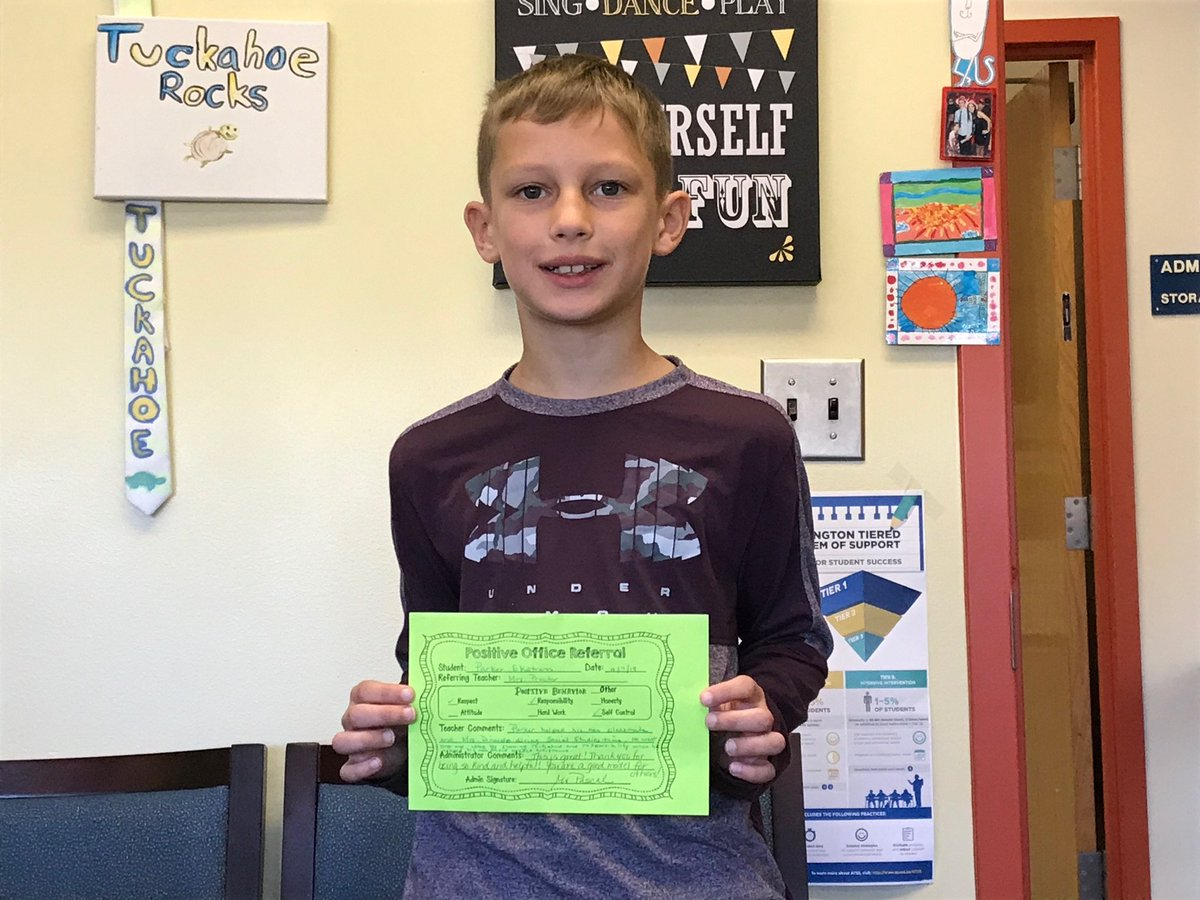 Great midweek Shout Out for a student who took the initiative to help out a new classmate who needed assistance. Great for <a target='_blank' href='http://search.twitter.com/search?q=WorldKindnessDay'><a target='_blank' href='https://twitter.com/hashtag/WorldKindnessDay?src=hash'>#WorldKindnessDay</a></a>! <a target='_blank' href='http://twitter.com/TuckahoeAP'>@TuckahoeAP</a> <a target='_blank' href='http://twitter.com/TuckahoeSchool'>@TuckahoeSchool</a> <a target='_blank' href='https://t.co/fH446He4Cy'>https://t.co/fH446He4Cy</a>