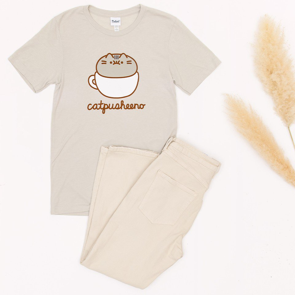 #Pusheen and coffee make for the perfect Fall outfit #PusheenCozyCafeCollection  http:// bit.ly/2qEKtga    <br>http://pic.twitter.com/SBBKQ2Jyy3