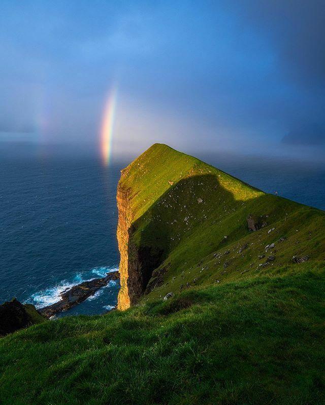 """Land of Light""🌈.....#jgarretsonphoto #rainbow #landscapephotography #faroeislands #theoutbound #infinity_worldshoot #travelphotography #visitfaroeislands  #depthsofearth #faroeislandscollective #nature_obsession_landscapes #splendid_earth #i… https://ift.tt/2Xgjq6X"