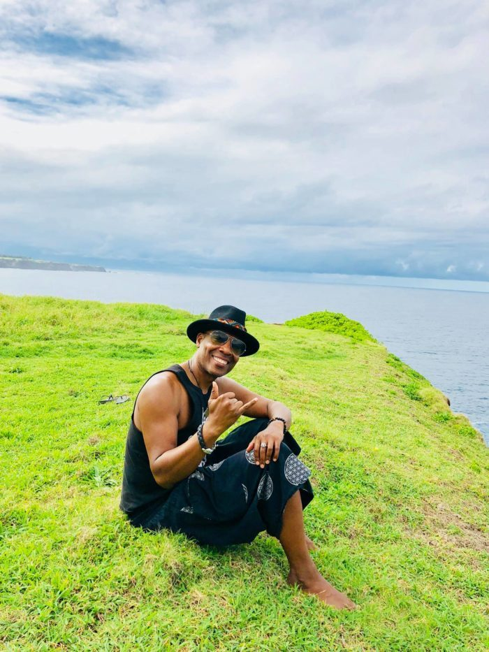 DJ Marques Wyatt at The Dirty Monkey in Lahaina  https:// mauitime.com/entertainment/ music/dj-marques-wyatt-at-the-dirty-monkey-in-lahaina/  … <br>http://pic.twitter.com/hsYyTwznIs