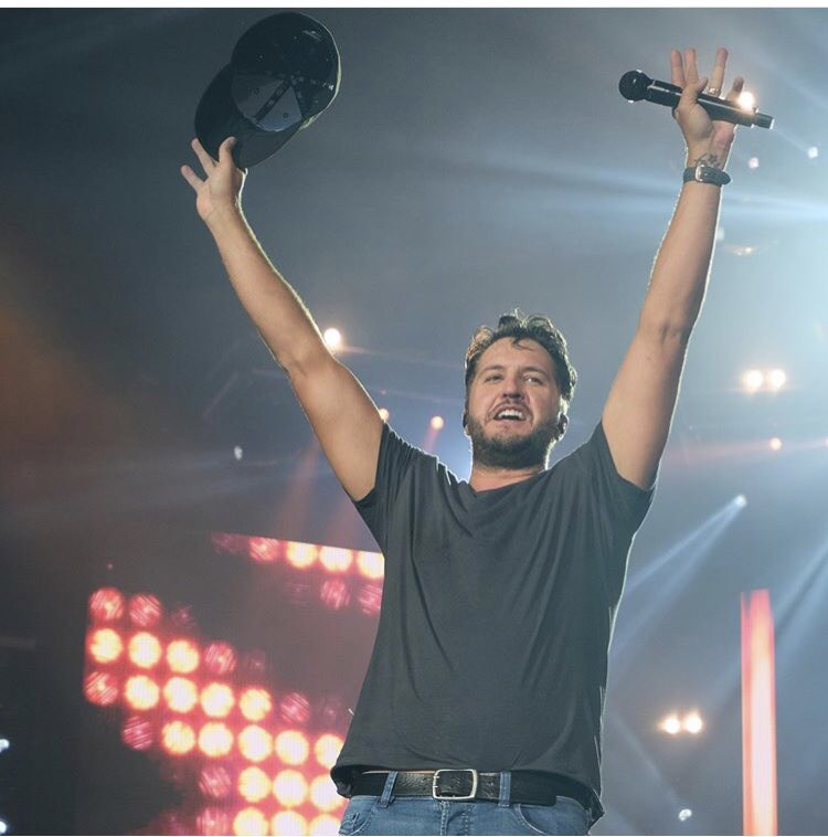 Luke Bryan is MY Entertainer Of The Year #CMAawards