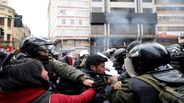 Парламент Боливии не смог отправить в отставку Эво Моралеса