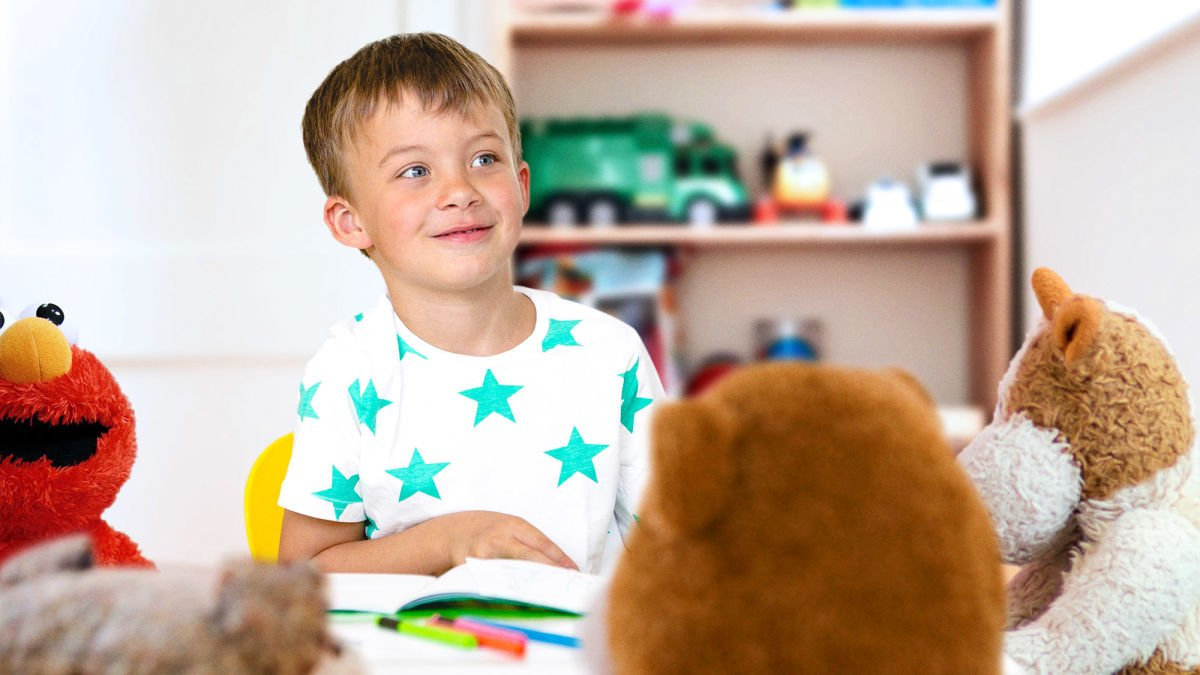 Precocious 5-Year-Old Already Holding Long, Pointless Business Meeting With Stuffed Animals  https:// trib.al/bqgerMY    <br>http://pic.twitter.com/QlOlxdsv5A