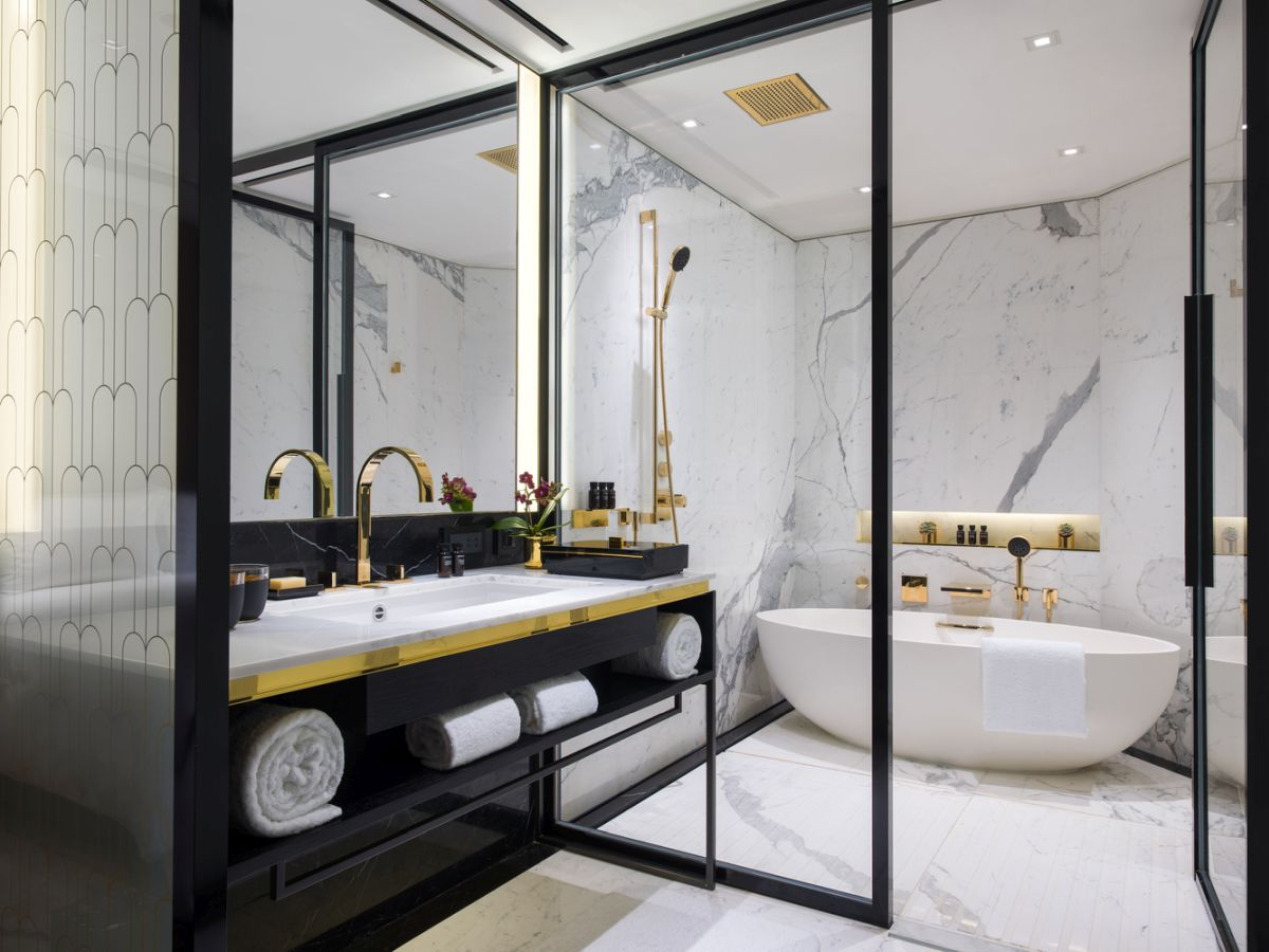 These modern shower designs are worth taking a look at. #transformation #housingnews  http://cpix.me/a/85653216