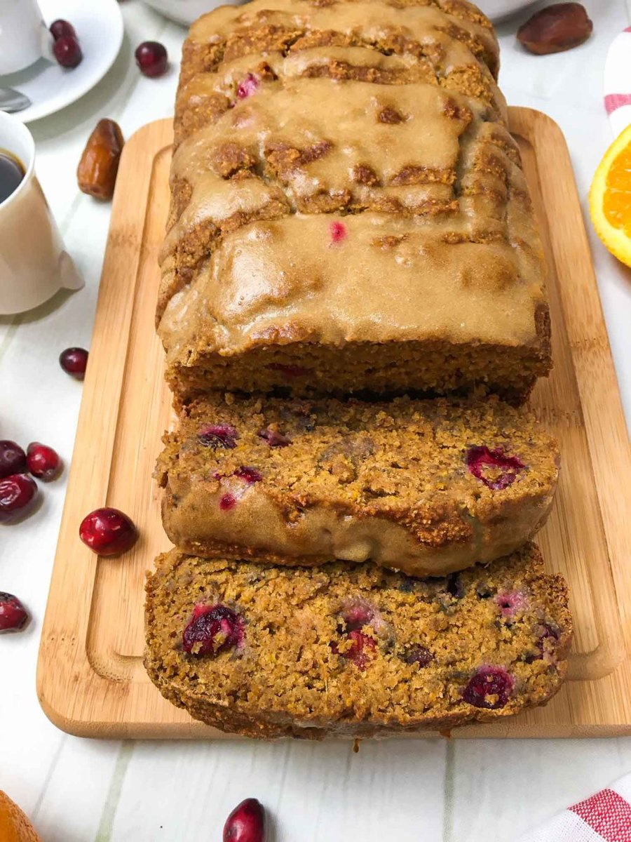 The absolute BEST cranberry orange bread ever. It's perfectly moist, naturally sweet with pops of tart, all using wholesome ingredients. #vegandessert #veganbreakfast #healthydessert #plantbased #glutenfree #oilfree #sugarfree… https://thishealthykitchen.com/vegan-cranberry-orange-bread/…