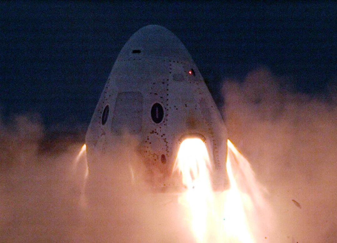 This afternoon, @SpaceX completed a series of static fire engine tests for #CrewDragon's launch escape system.Now, SpaceX and @NASA will1⃣ Review data from the test2⃣ Perform hardware inspections3⃣ Establish launch date for In-Flight Abort Test💻: https://go.nasa.gov/33M1hk2