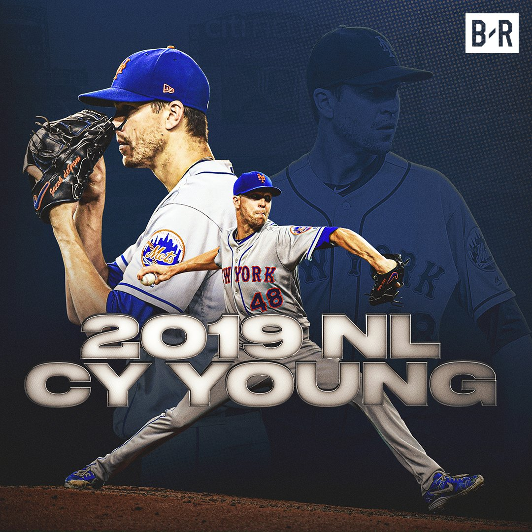 Mets' Jacob deGrom wins the NL Cy Young Award back-to-back years  <br>http://pic.twitter.com/aGGkAZONBx
