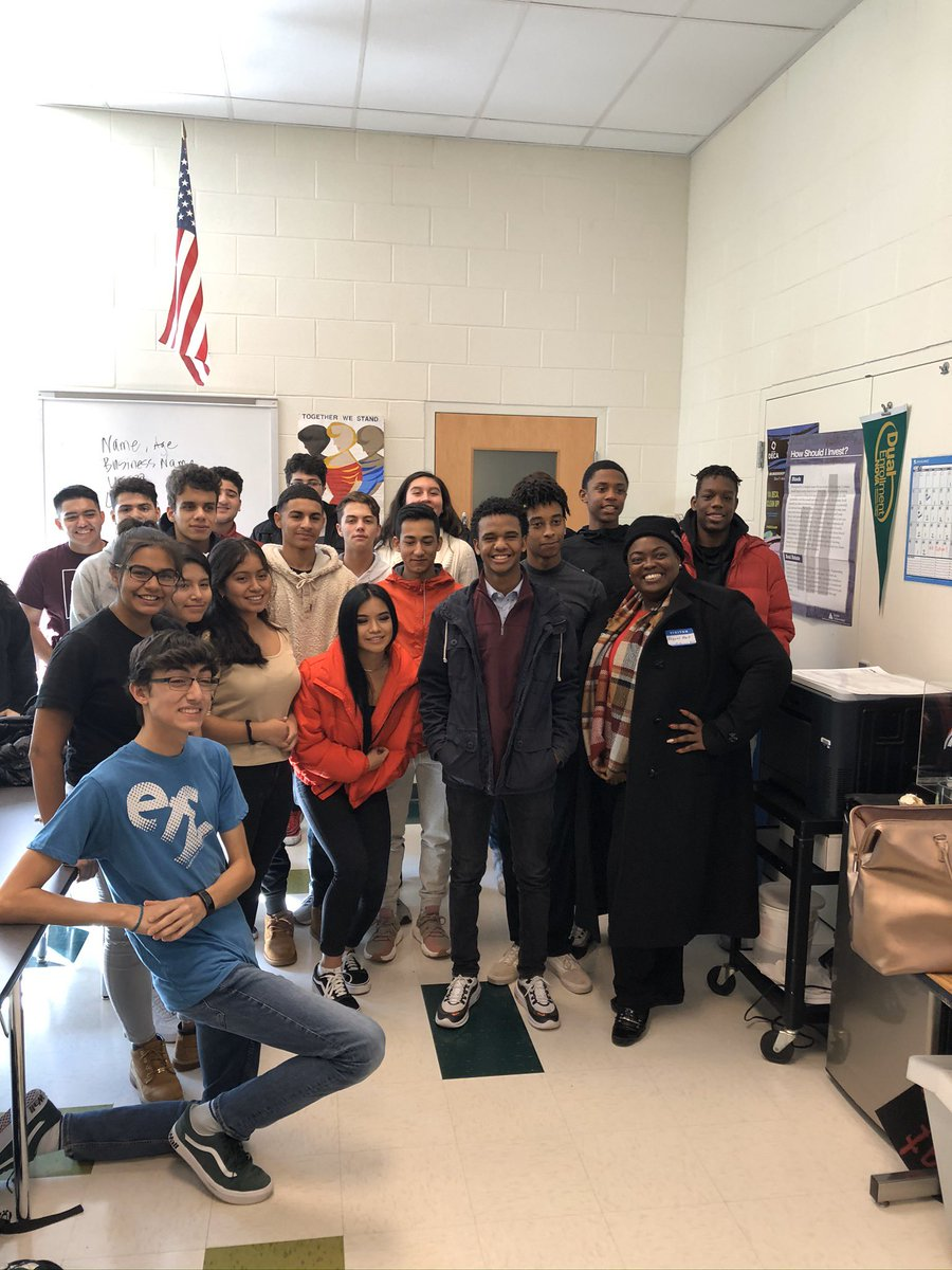 <a target='_blank' href='http://twitter.com/opmthebahamas'>@opmthebahamas</a> Wakefield High School was proud to welcome Ms. Hart today to share how Entrepreneurship is taught in <a target='_blank' href='http://twitter.com/APSVirginia'>@APSVirginia</a> and the Bahamas. <a target='_blank' href='https://t.co/NIPbQ2vSf7'>https://t.co/NIPbQ2vSf7</a>