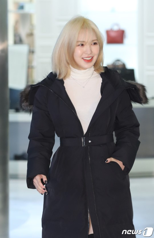 Here are some press photos of Red Velvet Wendy at an event by nobis! @RVsmtown <br>http://pic.twitter.com/Ws9l5NHsy9